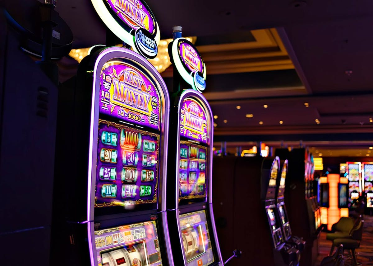 Tips on Playing Slot Games: May the Odds Be in Your Favour