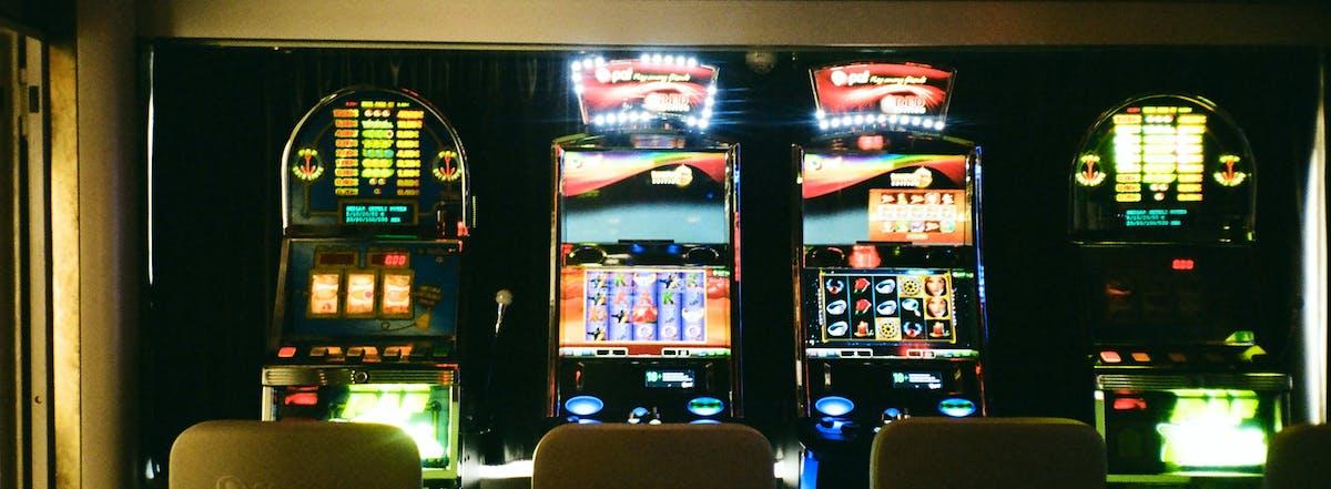 Casino slot percentage payouts hasbro family game night playstation 2